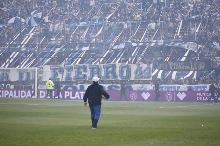 Maradona en Gimnasia. Un bosque de pasiones